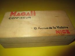 Boite  En Bois / Magali Confiseur / NICE  /Avenue De La Victoire / Vers 1950    BFPP20 - Boîtes