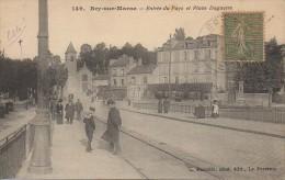 94 BRY-sur-MARNE  Entrée Du Pays Et Place Daguerre - Bry Sur Marne
