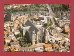 CPM  FRANCE  86  -  POITIERS  -  Cathédrale Saint-Pierre - Vue Aérienne  ( Solaire Photos1992 ) - Poitiers