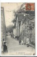 Paris (75) CPA Montmartre - La Maison Au Toit De Chaume - Rue Saint Vincent (GCA G.C.A. 601) Envoyé Par Un Riverain - Arrondissement: 08