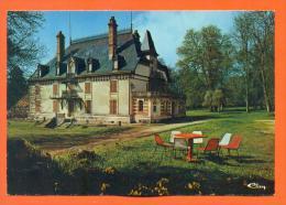 "Dpt  52  Savigny  ""  Le Chateau  ""  Cpm GF - France"