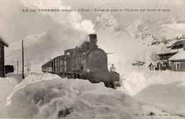 AX-LES-THERMES L'HIVER ENTREE EN GARE DE L'EXPRESS PAR TEMPS DE NEIGE - Ax Les Thermes
