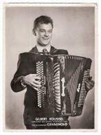MUSIQUE - GRANDE PHOTO - GILBERT ROUSSEL - ACCORDEONNISTE - VAINQUEUR COUPES MONDIALES 1949 - ACCORDEON CAVAGNOLO - Identified Persons