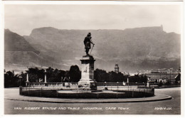 Van Riebeek Statue And Table Mountain, Cape Town  -  South Africa - Südafrika