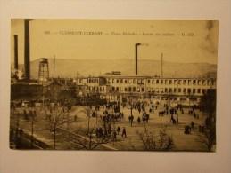 Carte Postale - CLERMONT FERRAND (63) - Usine Michelin - Entree Des Ateliers (45M) - Clermont Ferrand