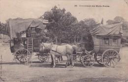 CPA 15 @ RAULHAC @ Croisement Des Malle - Postes Sur La Place Du Village Près De La Fontaine En 1904 @ - France