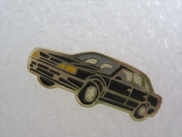 PIN´S AUTOMOBILE VOITURE RENAULT - Renault