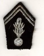 Gendarmerie Départementale Broderie -   Grenade Bois De Cerf 8 Branches Ancien - Police