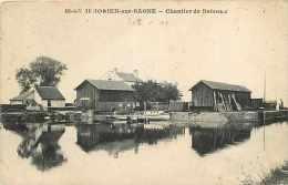 Mai14 1981: Saint-Symphorien-sur-Saône  -  Chantier De Bateaux - France