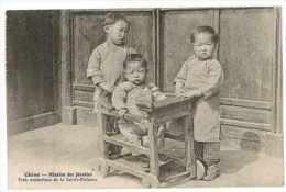 CPA CHINE MISSION DES JESUITES TROIS ORPHELINS DE LA SAINTE ENFANCE - Chine