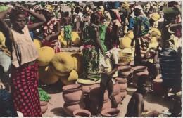 AFRIQUE DE L´OUEST,AFRICA,1956,TOGO, Prés BENIN,DAHOMEY,Atakpamé,ma Rché Des Poteries,métier Artisanale - Togo