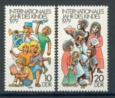 BL3-425 DDR, EAST GERMANY 1979 MI 2422-2423 CHILD'S YEAR, JAHR DES KINDES. POSTFRIS, NEUF**. - Kindertijd & Jeugd