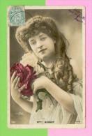 """CPA  ARTISTES  -  1082  """" Melle HUGUET """"  ( Dos Simple S.I.R. 1906 ) - Artistes"""