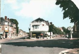 08 - GIVET - CPSM - Place De La Gare - Restaurant, Station Essence Azur - Givet