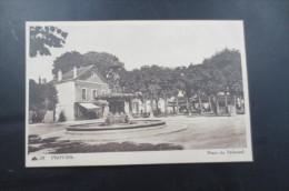 Provins  Place Du Tribunal - Provins