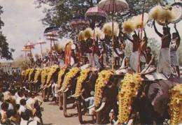 ÉLÉPHANTS - INDIA POORAM FESTIVAL TRICHUR - Non Circulée - 2 Scans - - Éléphants