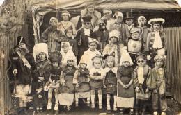 CPA Photo �cole classe f�te d�guisements carnaval des �l�ves