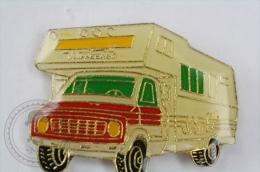 Winnebago Caravans - Pin Badge #PLS - Transportes