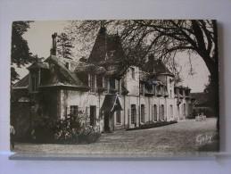 GAILLON (27) - CHATEAU DE COURTMOULINS - FACADE OUEST - Otros Municipios