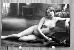 REPRODUCTION FEMME NUE NU ACCOUDE COLLECTION LES NUS SCAN R/V - Fine Nudes (adults < 1960)