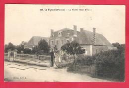 86-Le Vugeant-La Mairie Et Les écoles-TB Taille Cpa 1924 - Frankreich
