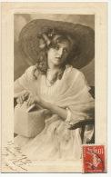 Belle Femme  Jeune Fille Au Chapeau Wieland Grond - Femmes