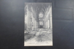 Reims Invasion Allemande Intérieur De La  Cathedrale 1914 - Reims