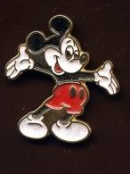 """""""  MICKEY """"   Vt Pg17 - Disney"""