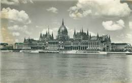 BUDAPEST - Parliament - Hongrie