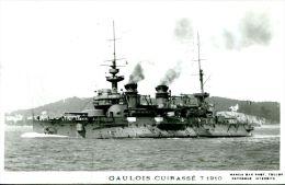 N°39610 -cpsm Gaulois Cuirassé - Guerra