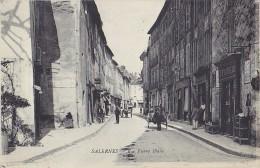 SALERNES (83) - Rue Pierre Blanc. Animée, Attelage. Editeur Sibille. - Salernes