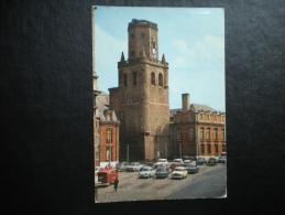 Carte Postale Couleurs : BOULOGNE SUR MER : Le Beffroi Et Place De La Résistance ( Anciennes Automobiles , Vieux Camion - Boulogne Sur Mer