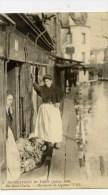 PARIS-Inondations 1910 -Rue Saint-Charles-Marchande De Légumes-Petit Métier - Inondations De 1910
