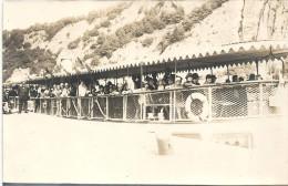 CARTE PHOTO A IDENTIFIER -   Groupe de Personnes sur un bateau de promenade -r - Carte non situ�e -  - VAN1 -