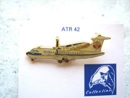 INSIGNE PINS EMAILLE ARMEE DE L´AIR AVIATION LE ATR 42 NOUVELLE CALEDONIE ETAT EXCELLENT - Armee