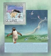 gu14207b Guinea 2014 Bird Penguins s/s