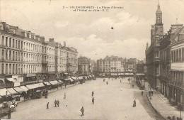 Valenciennes - La Place D'Armes Et L'Hôtel De Ville - Valenciennes
