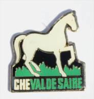 Pin´s CHEVAL DE SAIRE - Cheval Blanc - Ecaille  - D1006 - Animaux