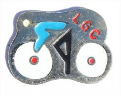 Pin's LGC - Coureur Cycliste Stylisé - Lyon Coupes Inter -  D1032 - Wielrennen