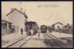 FRANCE (85) Vaison La Romaine - LA GARE Arrivée Des Trains. La Vaucluse Pittoresque. Três Animée - Vaison La Romaine