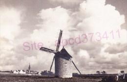 Le Vieux Moulin Et Le Village - Cléden-Cap-Sizun