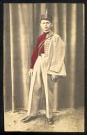 Man Dressed In Uniform Of Sokol Of Kingdom Of Yugoslavia ------ Postcard Not Traveled - Postales