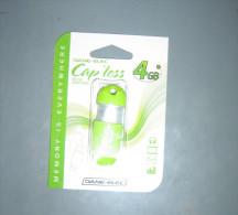 CLE  USB   CAP LESS   4 GB  NEUVE    A   VOIR - Autres Collections