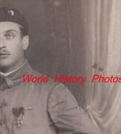 CPA Photo - Poilu Du 73e Régiment - Bataillon De Chasseurs ? - Voir Uniforme Et Médaille Croix De Guerre - WW1 - Guerra 1914-18