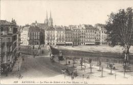 BAYONNE - 64 -  La Place Du Réduit Et Le Pont Mayou - VAN1 - - Bayonne