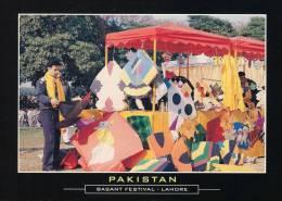 LC346 PAKISTAN POSTCARD Basant Festival Lahore, Kite Shop, Culture ** - Pakistan