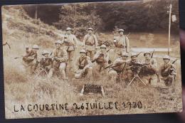 LA COURTINE MILITAIRES CP PHOTO 1930 / 107 - Reggimenti