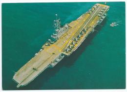 Cpsm Bon Etat , 10,5x15cm   Porte-avions  Foch , Vue Aerienne , Rare  Mise En Service 1963  Lire Verso - Warships