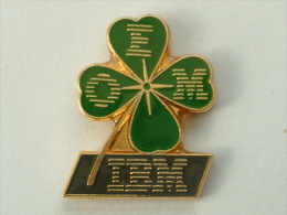 Pin´S IBM - OEM TREFLE A QUATRE FEUILLES - Informatique