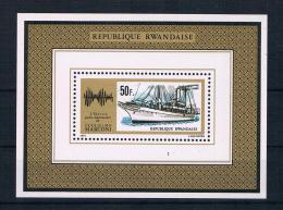 Ruanda 1975 Schiffe/Nobelpreis Block 39 **